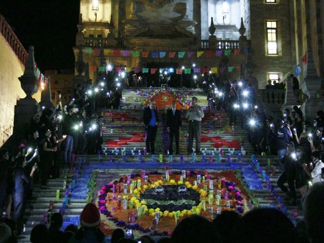 Escalinata por la noche  (1)